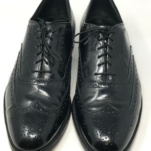 Johnston & Murphy VTG Brogue Oxford Wingtip Shoe